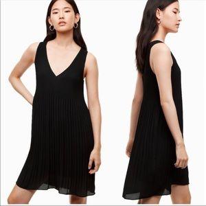 Aritzia Babaton Mathis Pleated Dress Sz XS